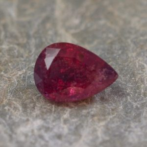 Ruby_pear_10.4x7.5mm_2.98cts_N_a_ru116