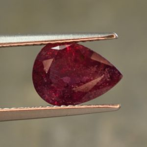 Ruby_pear_10.4x7.5mm_2.98cts_N_b_ru116