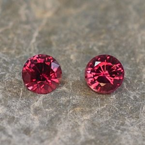 Ruby_round_pair_3.5mm_0.42cts_H_ru114