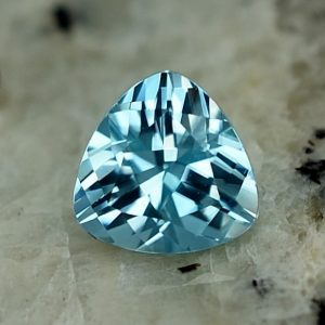 BlueZircon_trillion_6.0mm_1.24cts_zn2966