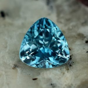 BlueZircon_trillion_6.6mm_1.47cs_zn2607