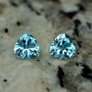 BlueZircon_trillion_pair_5.5mm_1.75cts_zn2624