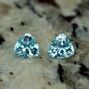 BlueZircon_trillion_pair_5.9mm_2.26cts_zn2623