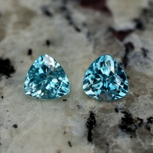 BlueZircon_trillion_pair_7.0mm_3.74cts_zn718