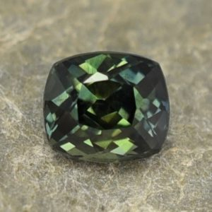GreenSapphire_cushion_7.4x6.4mm_2.51cts