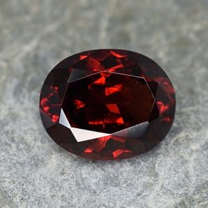 RedGarnet_oval_8.5x7.0mm_2.15cts_rg220