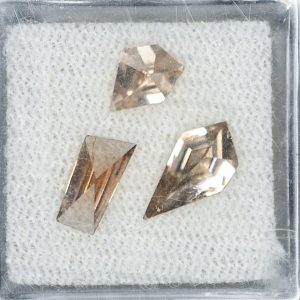 ChampagneZircon_freeform_rose_cuts_1cts_1.43cts_zn3325
