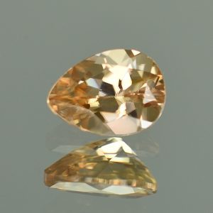 ChampagneZircon_pearshape_8.0x5.9mm_1.68cts_N_zn3446
