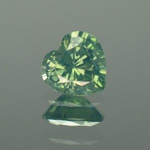 GreenZircon_heart_8.7x8.6mm_2.73cts_zn2857