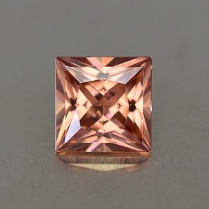 ImperialZircon_princess_6.2mm_1.72cts_zn3401