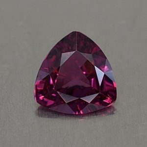 PurpleGarnet_trillion_6.4mm_0.84cts_pl661