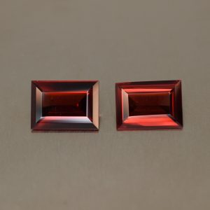 RedGarnet_baguette_pair_10.3x7.4_10.6x7.6mm_5.41cts_rg185