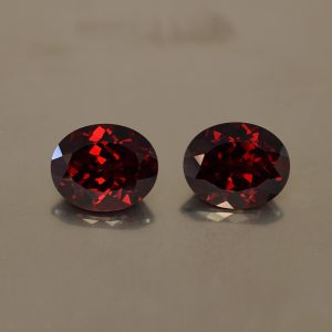 RedGarnet_oval_pair_11.0x9.0mm_8.98cts_rg200