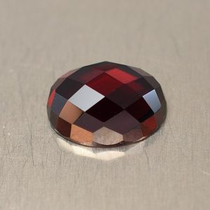 RedGarnet_rosecut_oval_9.1x7.0mm_2.55cts_rg239