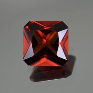 RedZircon_sq_rad_10.2mm_6.11cts_zn414