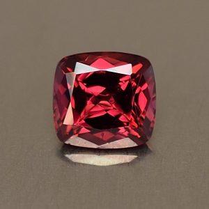 Rhodolite_cush_6.6x6.2mm_1.47cts_rh223