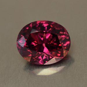 Rhodolite_oval_10.8x8.8mm_4.44cts_rh236