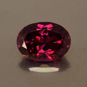 Rhodolite_oval_12.9x9.4mm_6.53cts_rh126