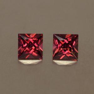 Rhodolite_princess_pair_5.0mm_1.63cts_rh216