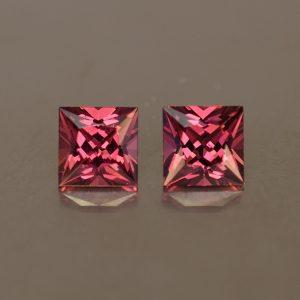 Rhodolite_princess_pair_5.0mm_1.65cts_rh226
