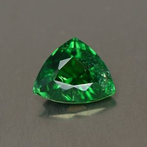 Tsavorite_drop_trill_7.5x6.1mm_1.02cts_ts206