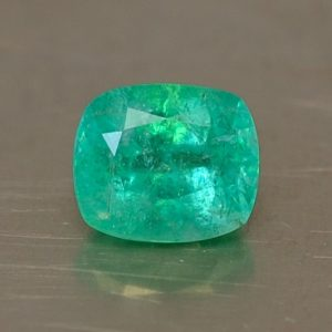Emerald_cushion_6.7x5.7mm_1.06cts_N_em108
