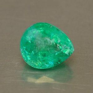 Emerald_pearshape_8.0x6.8mm_1.57cts_N_em122