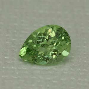 MintGrossular_ch_pear_7.7x5.6mm_1.22cts_mg150