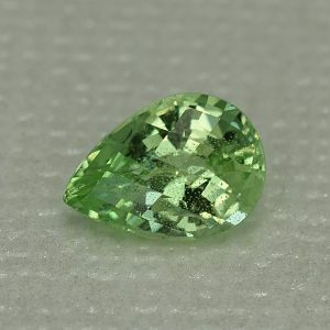 MintGrossular_ch_pear_8.4x6.0mm_1.47cts_mg151