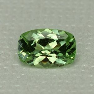 MintGrossular_cushion_7.8x5.2mm_1.04cts_mg230