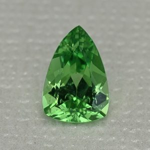 MintGrossular_drop_trillion_8.4x5.7mm_1.16cts_mg247