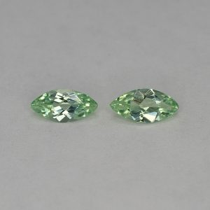 MintGrossular_marquise_pair_8.0x4.0mm_1.06cts_mg177