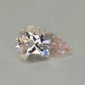 Morganite_pearshape_16.4x10.5mm_5.64cts_N_me127