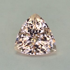Morganite_trillion_11.7mm_4.55cts_N_me104