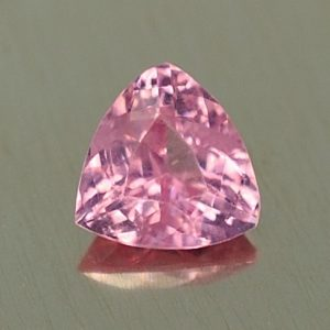 PinkSpinel_trillion_5.5mm_0.60cts_sp277