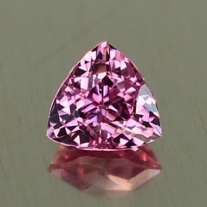 PinkSpinel_trillion_6.0mm_1.06cts_sp305