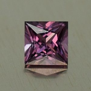 PurpleSpinel_princess_4.4mm_0.51cts_sp404