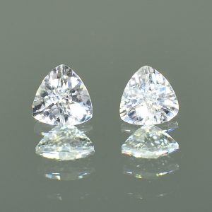 WhiteZircon_ch_trill_pair_7.1mm_3.64cts_H_zn1130