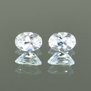 WhiteZircon_oval_pair_7.1x5.0mm_2.45cts_H_zn1582
