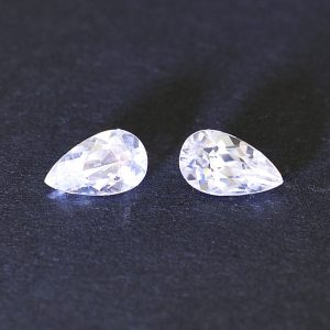 WhiteZircon_pearshape_pair_7.6x4.6mm_2.07cts_H_zn1909