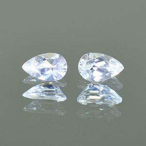 WhiteZircon_pearshape_pair_8.0x5.0mm_2.58cts_H_zn2747