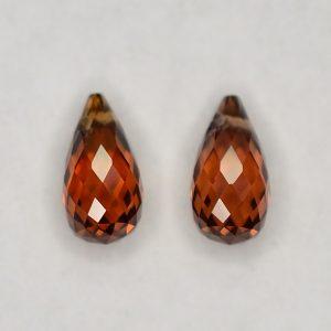 OrangeZircon_briolette_pair_8.0x4.0mm_2.87cts_N_a_zn2847