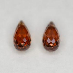 OrangeZircon_briolette_pair_8.0x4.0mm_2.87cts_N_b_zn2847