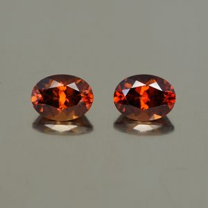 RedZircon_oval_pair_8.1x6.1mm_4.09cts_N_zn770