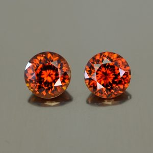 RedZircon_round_pair_8.1mm_5.89cts_N_zn2416