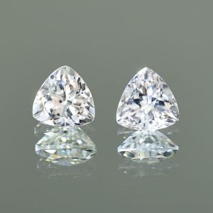 WhiteZircon_trill_pair_9.0mm_7.47cts_H_zn2321