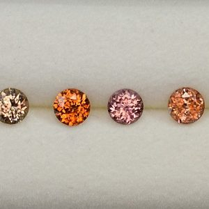 Zircon_Suite_rounds_3.5mm_2.18cts_10pcs_N_H_zn1797