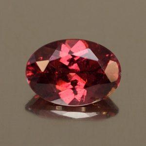Rhodolite_oval_7.2x5.1mm_1.01cts_rh335