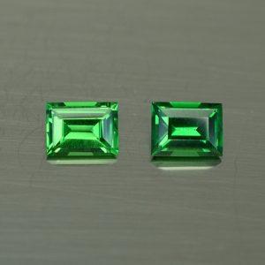 Tsavorite_baguette_pair_4.4x3.3mm_0.54cts_ts362