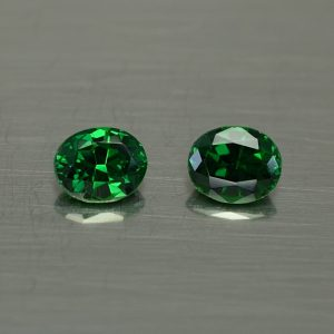 Tsavorite_oval_pair_5.0x4.2mm_0.89cts_ts353
